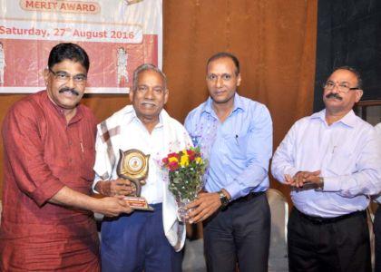 Guest of Honour Shri Rohiadas Bangera felicitated